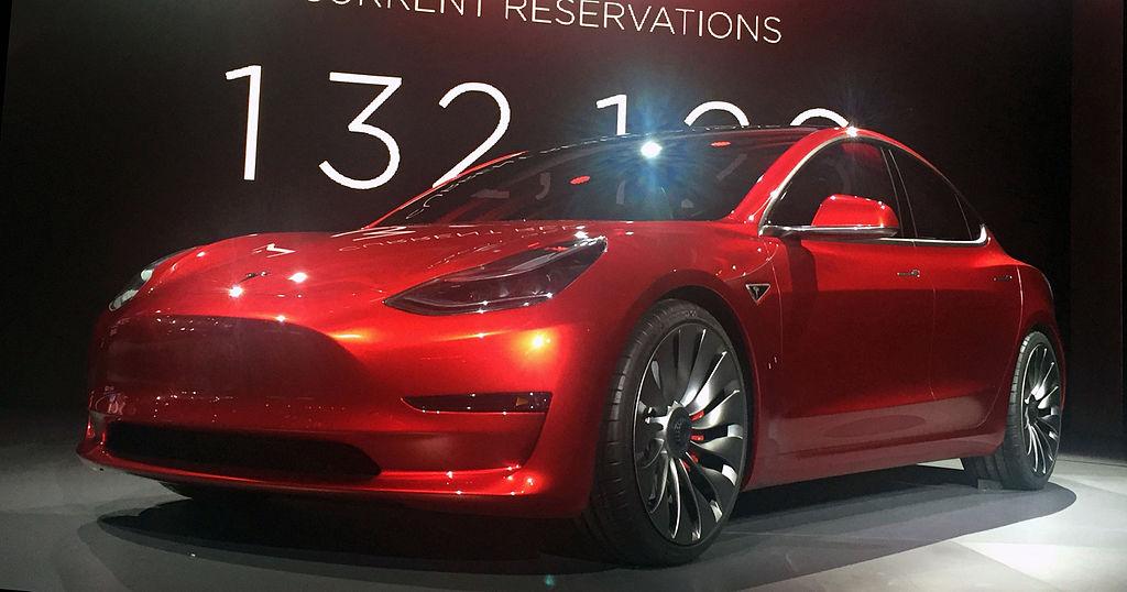 Bild Fotofahrzeug des Model 3 von Tesla (Vorserie)